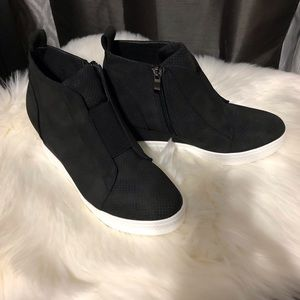 Zoey Wedge Sneaker Nubuck Black